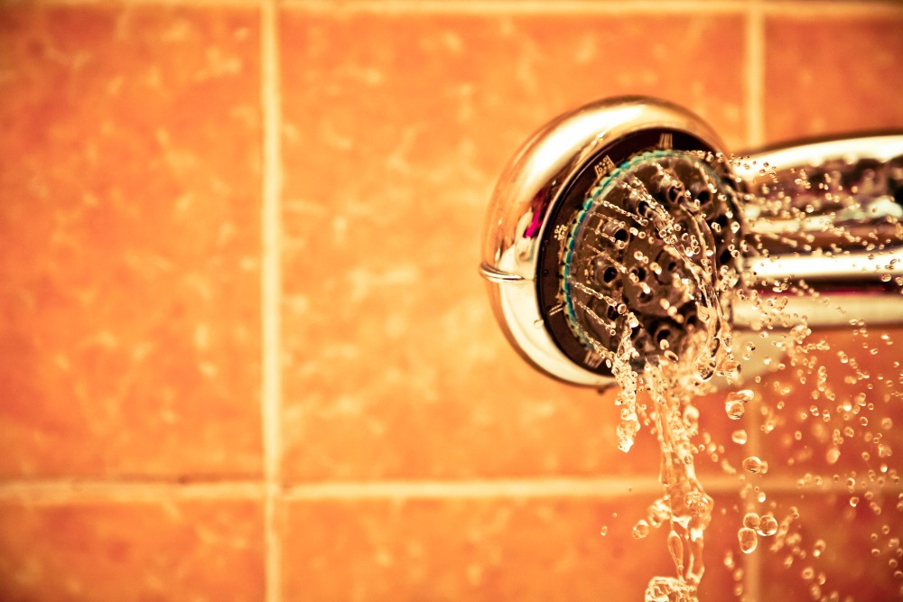 Nieuwe Badkamer Poetsen : Je badkamer schoonmaken à la clean as you go leukegeit