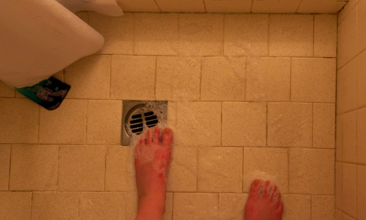 Badkamer Wasbak Verstopt : 4x ontstoppen de beste tips tegen een verstopt doucheputje leukegeit
