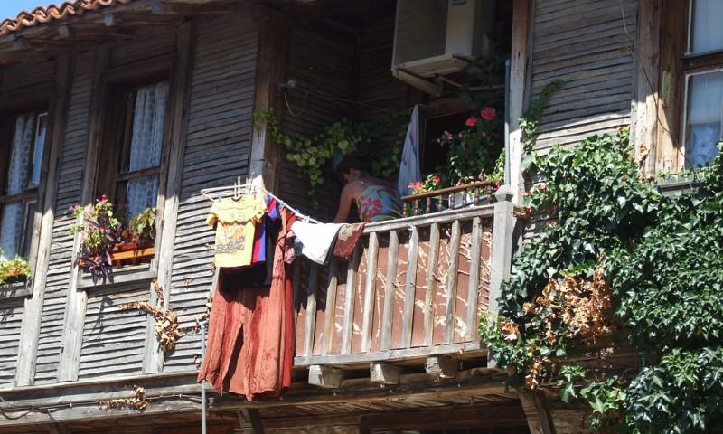 Je balkon opknappen en schoonmaken in 4 stappen