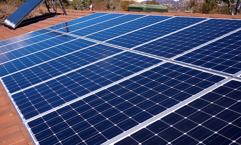 Hoe duur zijn zonnepanelen & leveren zonnepanelen echt zoveel op?