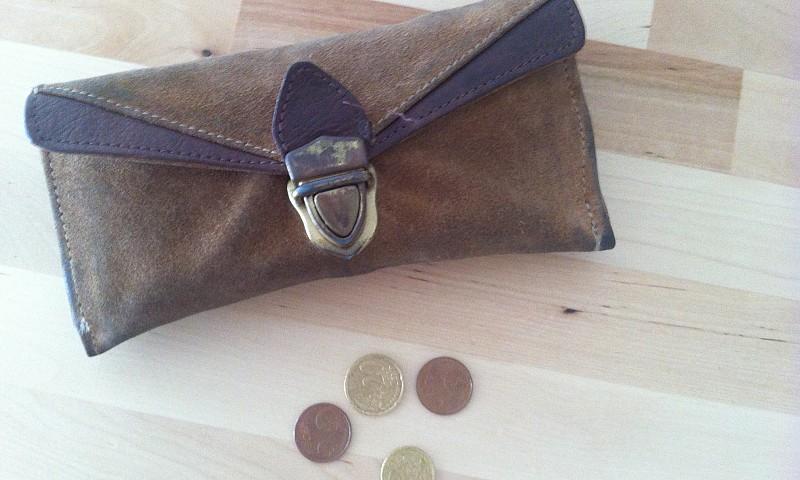 Minder geld uitgeven – 8 tips om de hand op de knip te houden