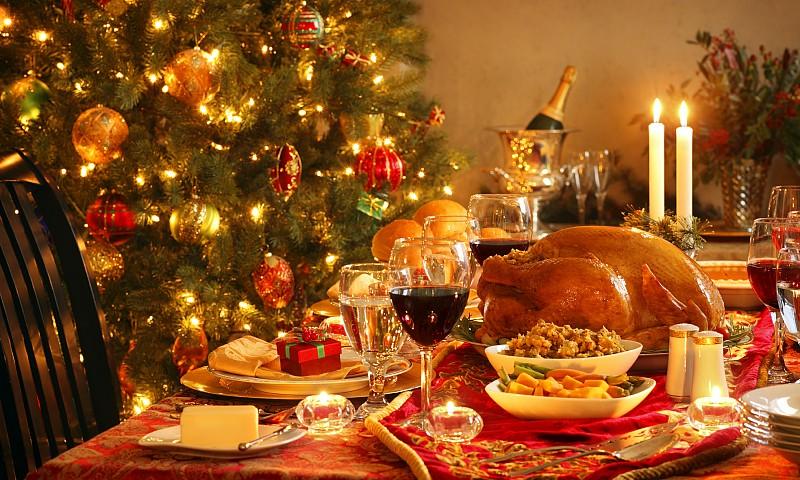 8 tips om het kerstdiner gezond door te komen