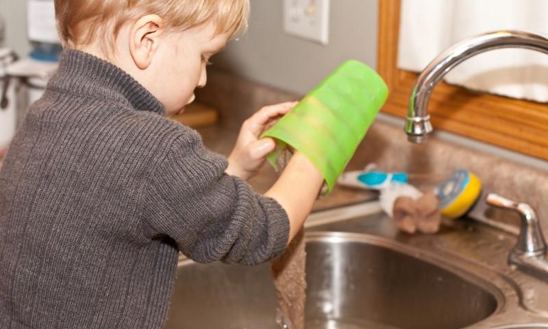 Huishouden met kinderen – Laat ze meehelpen in huis
