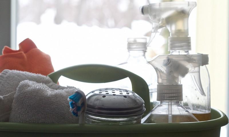 10x Je huis schoonmaken met schoonmaakazijn (en wat allemaal niet?)