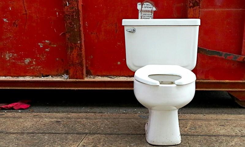 Toiletpot of wc ontkalken – 5 manieren om dit te doen