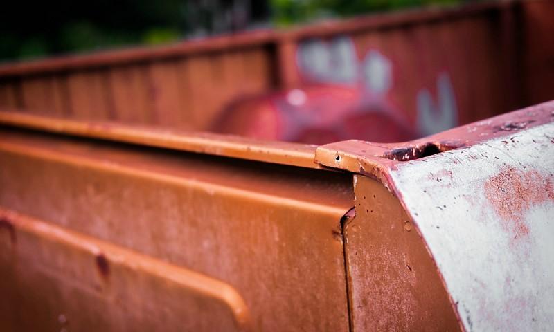 Maden in container, kliko of vuilnisbak – tips om dit te bestrijden en te voorkomen