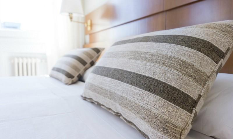 7 tips om je slaapkamer in één keer een stuk romantischer te maken