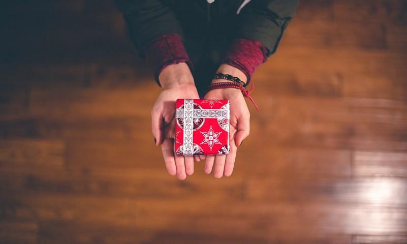 Hoe pak je cadeautjes mooi en leuk in?
