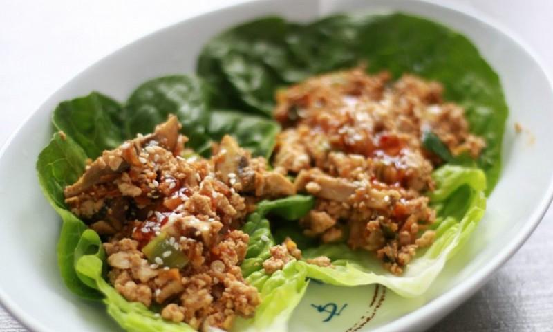 Gevulde sla wraps met champignons en tofu