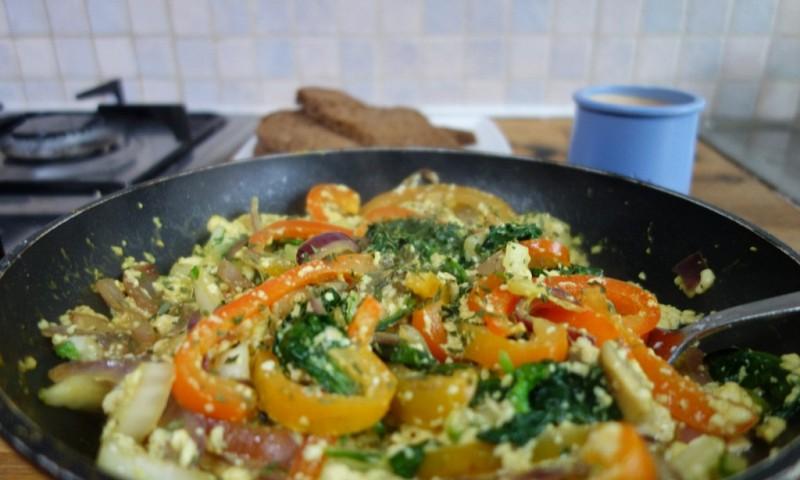 Scrambled tofu – zonder eieren, maar met lots of love