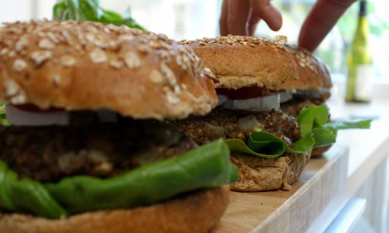 6 lekkere vegaburger recepten die je moet uitproberen