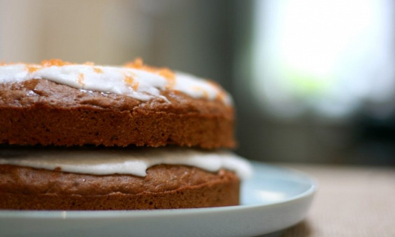 Vegan carrot cake (+ video)