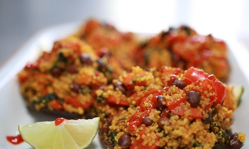 Gevulde portobello met quinoa en groenten