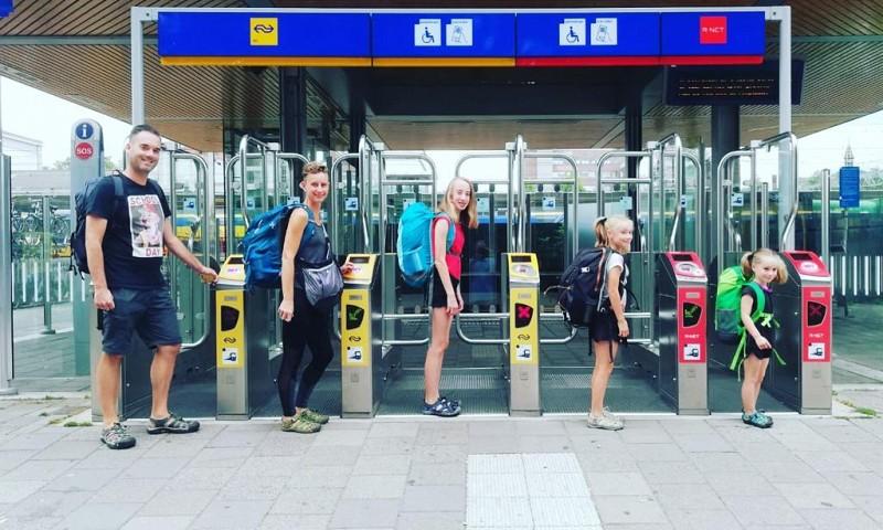 Interview met Kiki Hermus – Over verre reizen met kinderen, minimalisme en zuinig leven
