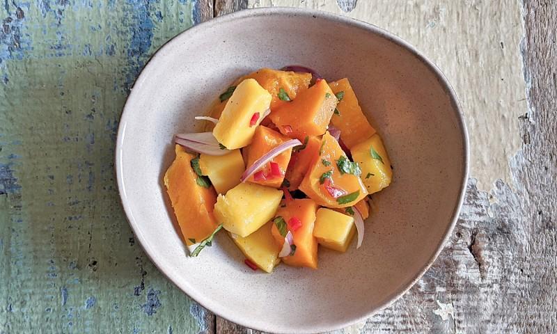 Ceviche van zoete aardappel en mango
