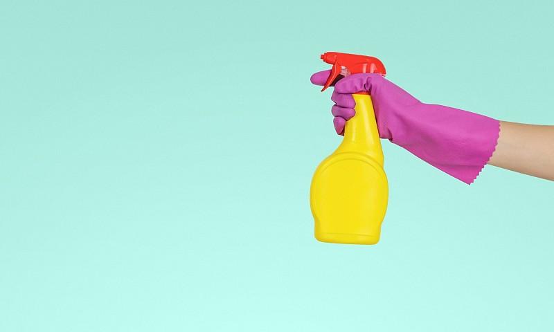 Deze 7 dingen kun je beter niet schoonmaken met azijn