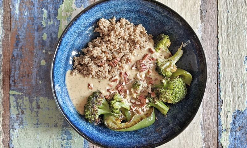 Aji de Verduras met broccoli en paprika