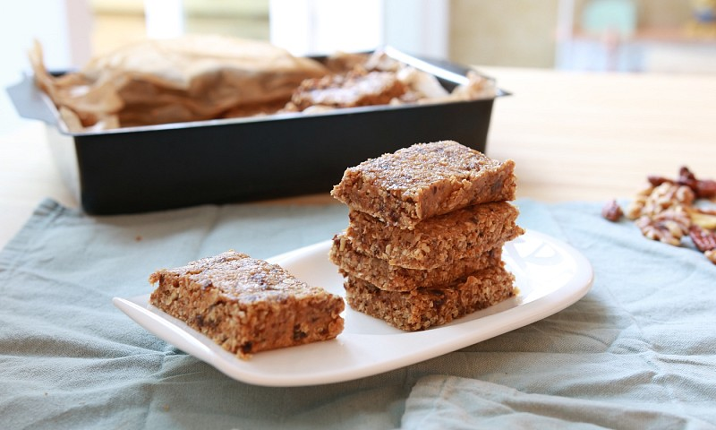 Makkelijke granola repen maken (zonder dat ze in de oven hoeven)