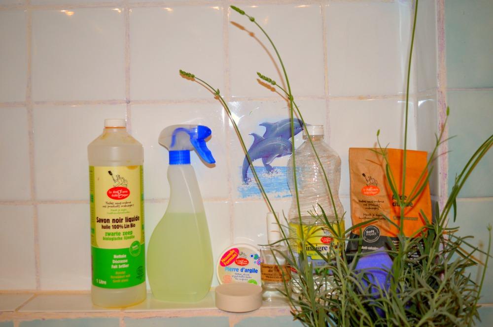 Badkamer schoonmaken - van bahkamer naar badkamer - Leukegeit