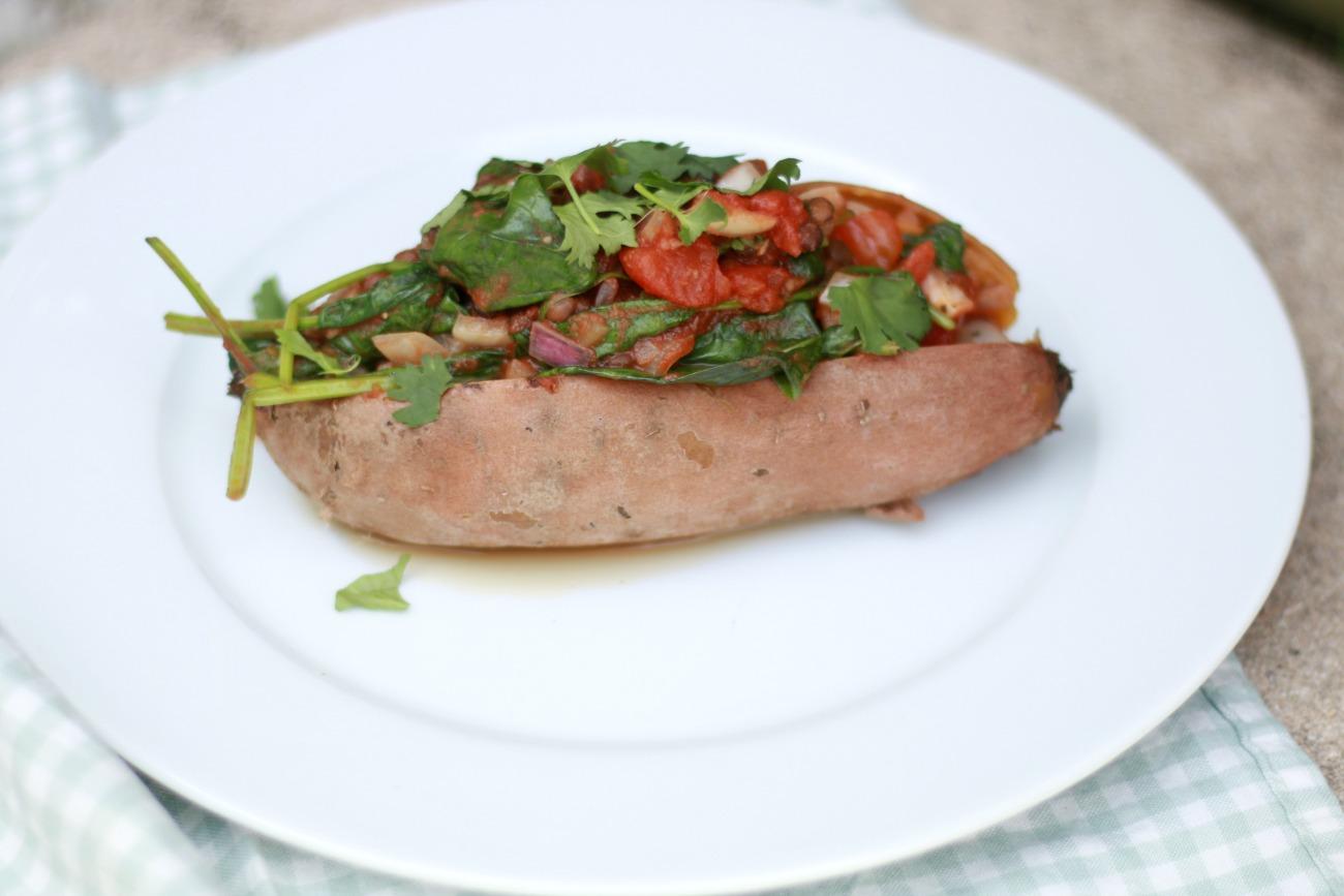 recept gevulde zoete aardappel met linzen