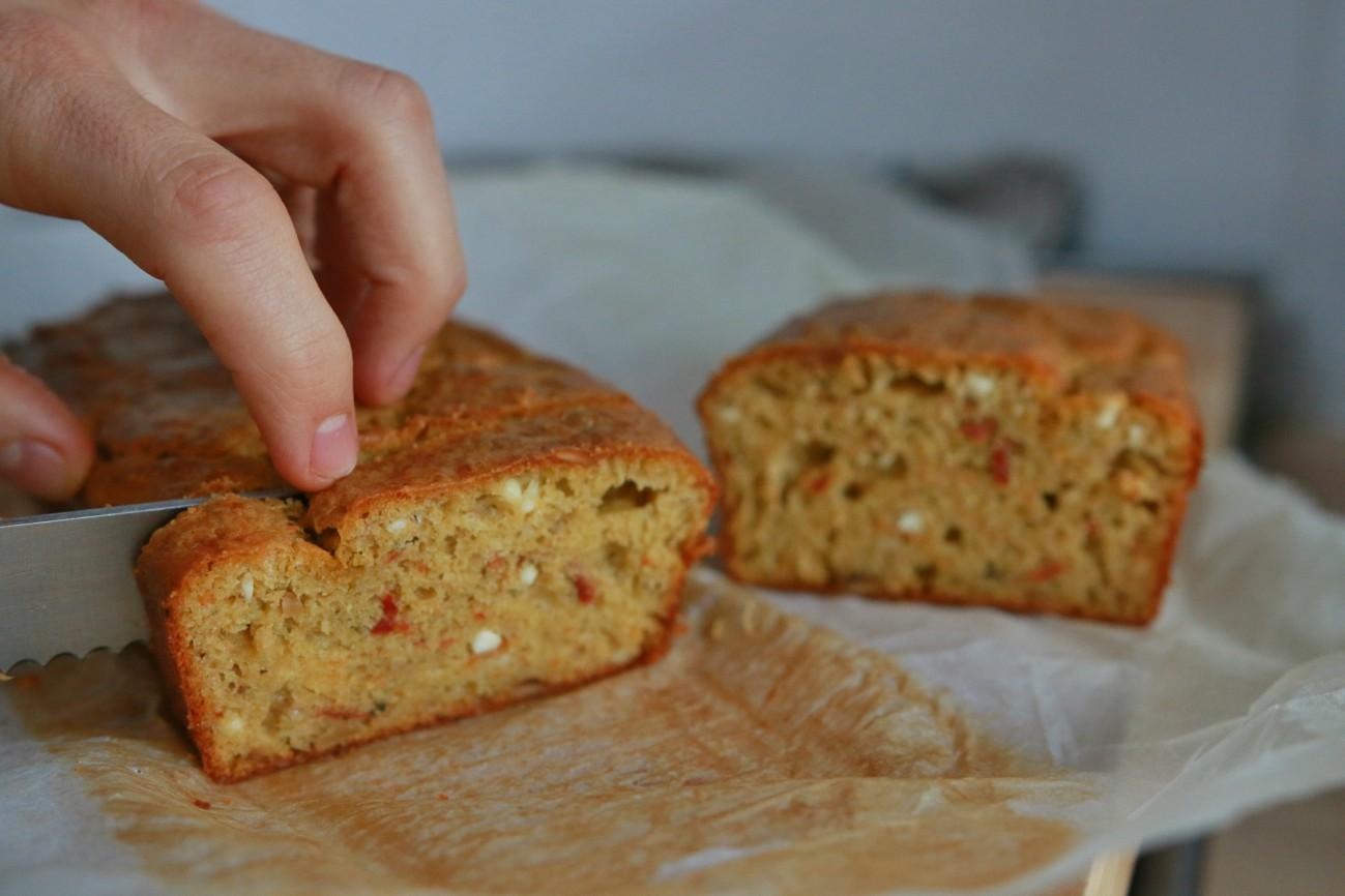 hartige cake met groene pesto