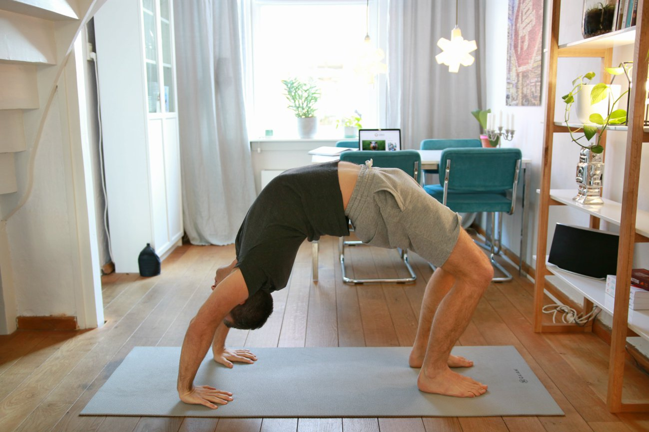 maand lang yoga