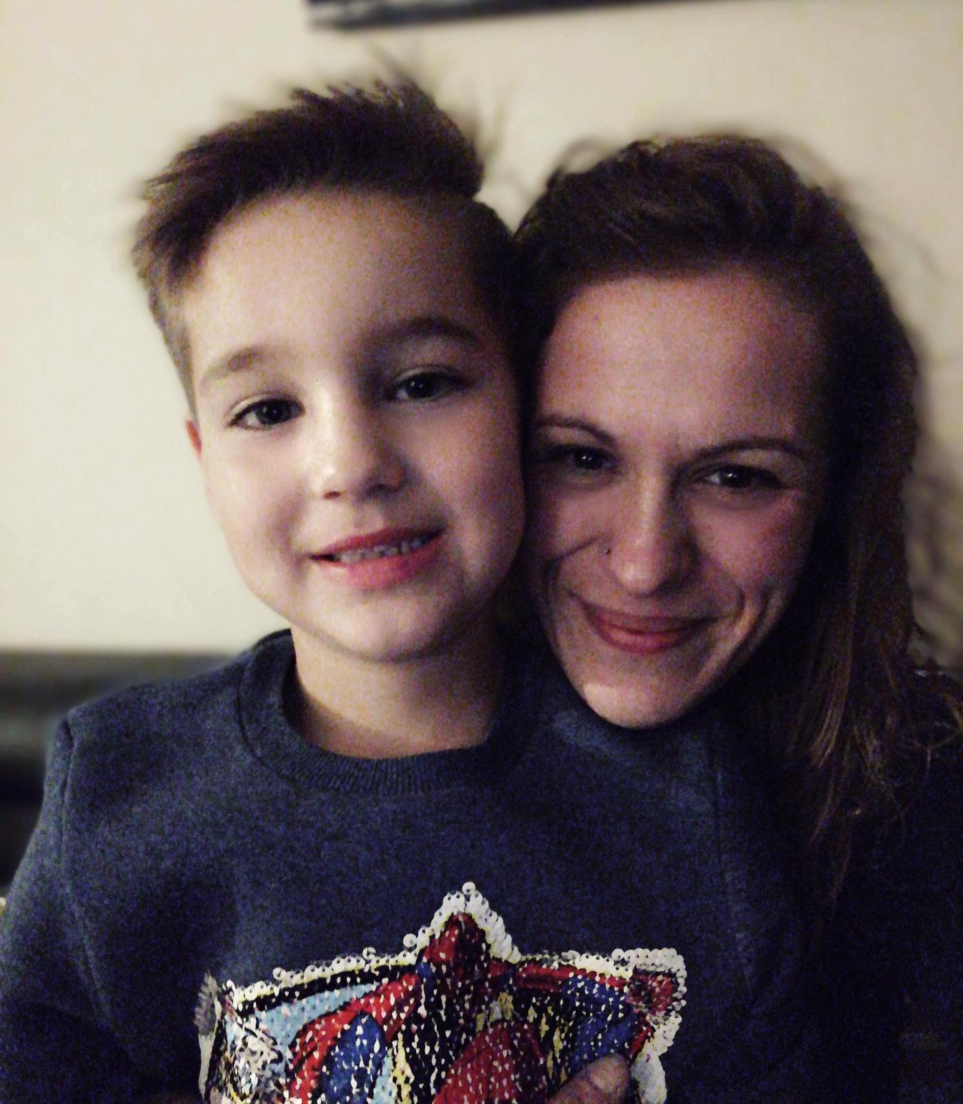 Joëlle samen met haar zoontje.