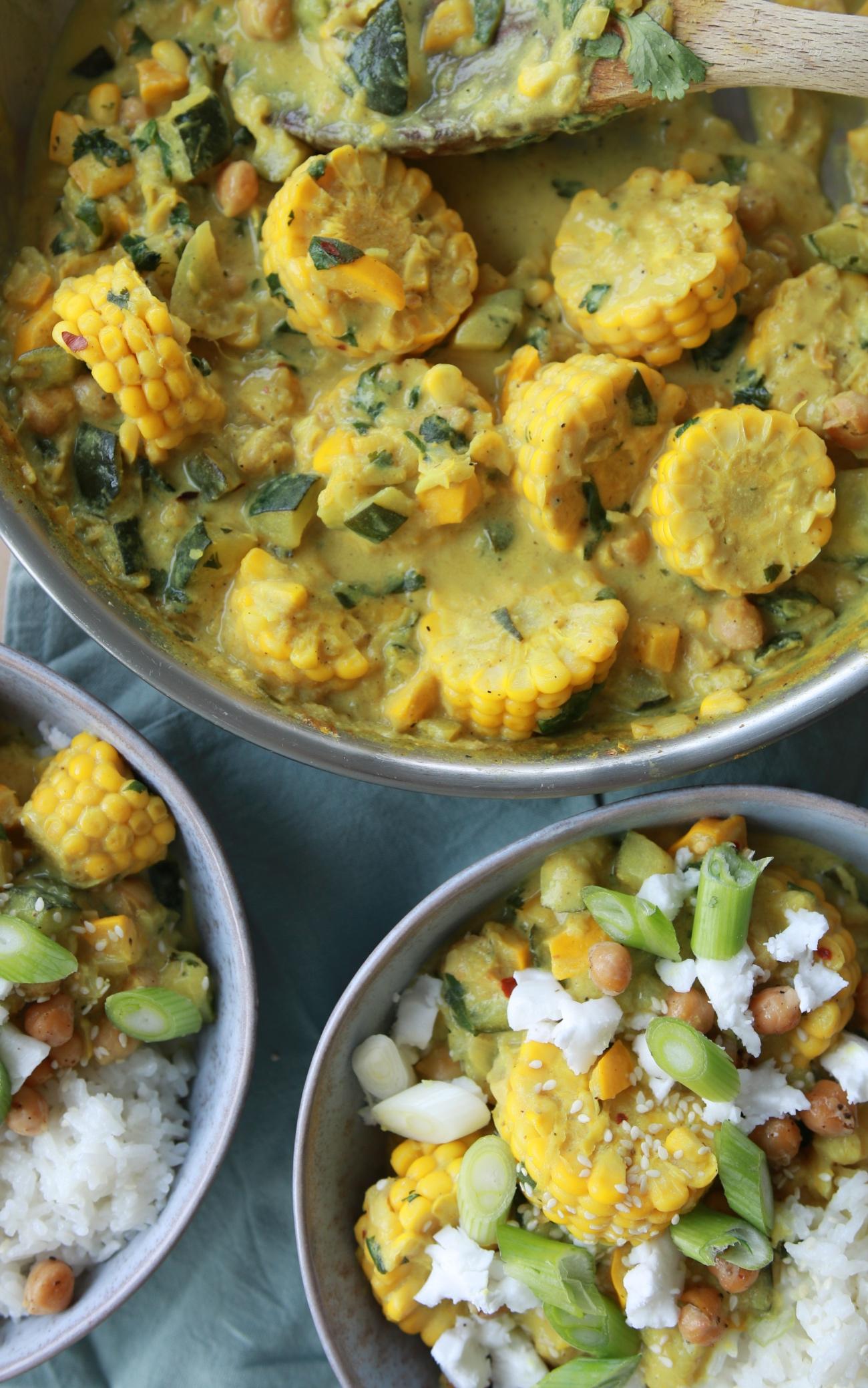 Gele kokoscurry recept met feta